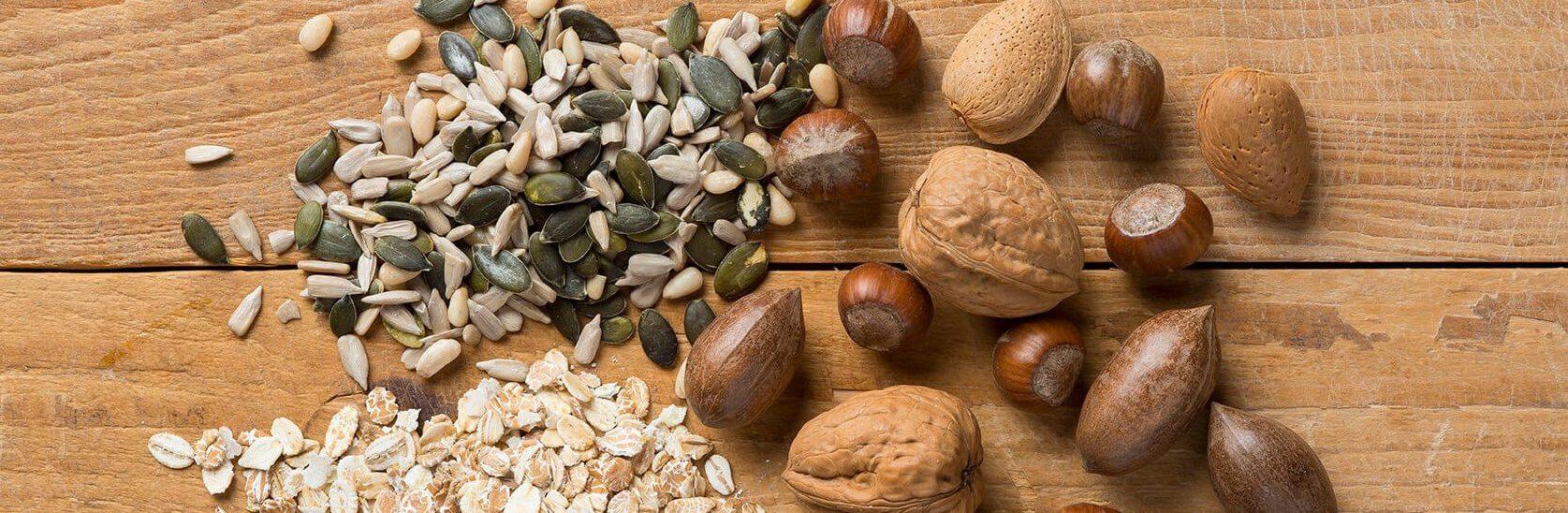 Verschillende noten en zaden